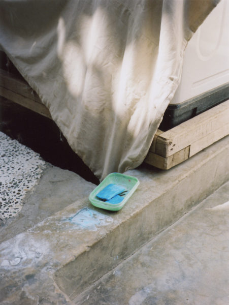 Blue Soap, 2011, C-print, 57 X 76 cm, Edition of 5 + 2AP - © Vincent Delbrouck