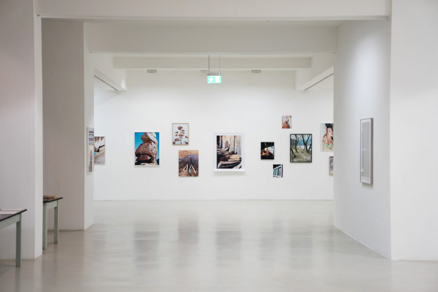 4 X 3, Kunstraum, Dusseldorf, 2017 © photo: Martin Gallone - © Vincent Delbrouck