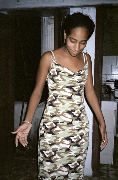 Camouflage Dress, 2003, C-print, 32 X 48 cm, Edition of 3 + 2AP - © Vincent Delbrouck