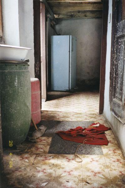 Corridor, 2014, C-print, 50 X 75 cm, Edition of 3 + 2AP - © Vincent Delbrouck