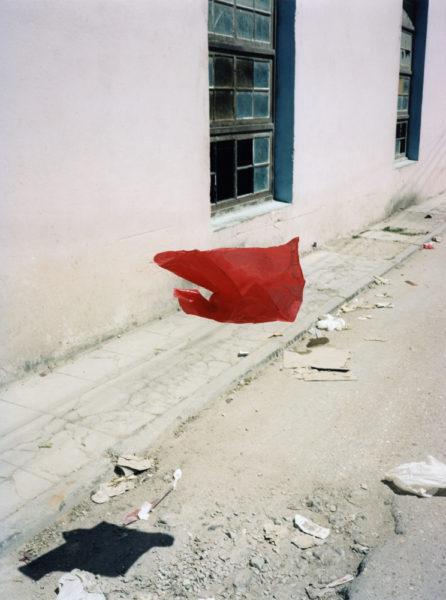 Plastic Bag, 2014, C-print, 90 X 120 cm, Edition of 2 + 2AP - © Vincent Delbrouck