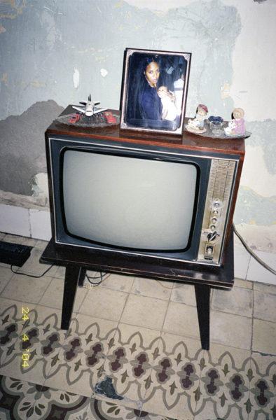 Cuban TV, 2004, C-print, 40 X 60 cm, Edition of 3 + 2AP - © Vincent Delbrouck